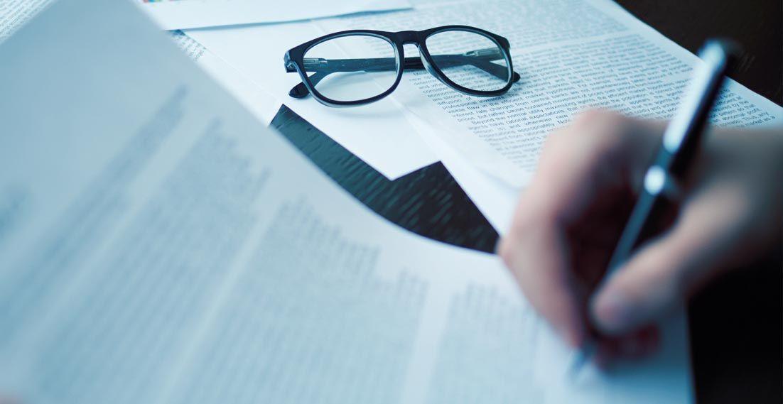 Legalizacja dokumentów – co to jest i jak uzyskać?